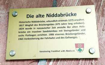Plakette- Die alte Niddabrücke